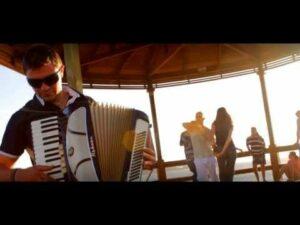 Cumbia Para Vos Ft. Los Poderosos – Ola de Calor (Video + MP3)