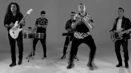 Rafaga - Lloran Mis Labios (Video Lyric Oficial + MP3)   Rafaga