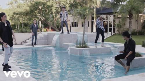 CNCO - Mi Medicina (Video Oficial) | Reggaeton