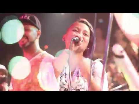 Damas Gratis ft Viru Kumbieron – No Te Creas Tan Importante (En Vivo)