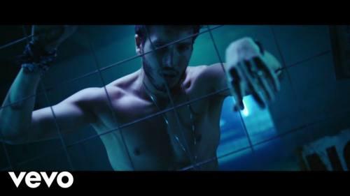 Sebastian Yatra ft Luis Figueroa y Lary Over - Por Perro (Video Oficial) | Reggaeton